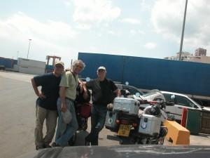 עם יוסי ויורם בנמל פיראוס, בסיומו של מסע באירופה